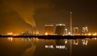 Hindistanda Bir Kimya Fabrikası Karbon Emisyonlarını Kabartma Tozu Haline Getirdi